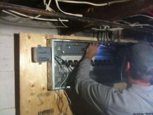 200amp-panel-300x225